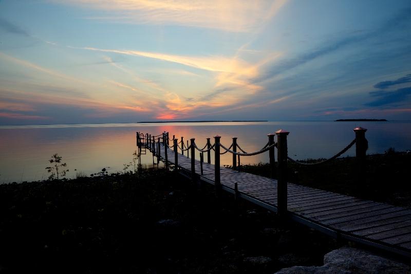 sunset-over-pier
